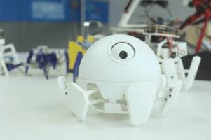 World's smallest programmable spider robot is the cutest thing you'll see today