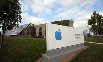 Apple compelled to pay €13b back taxes to Ireland