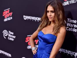 techies are furious apple chose jessica alba to star in its new reality show about apps