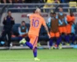 sweden 1-1 netherlands: sneijder earns draw for blind's men