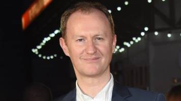 mark gatiss: tickets prices make west end an 'exclusive club'