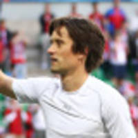 rosicky gets emotional welcome