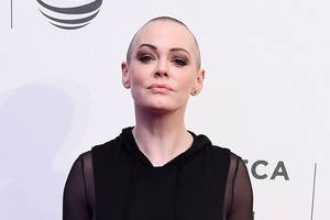 rose mcgowan slams 'truly vile' hollywood in letter of support to shannen doherty (photo)