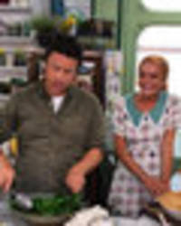 why is lindsay lohan hanging out with jamie oliver? star set to appear on uk tv