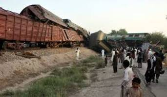 Pakistan: 6 persons killed & over 150 injured in train accident