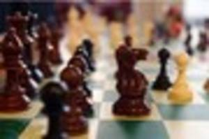 ​chess champ to take on 24 players at the same time in nottingham...