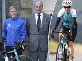 sophie ready for palace-to-palace cycling challenge
