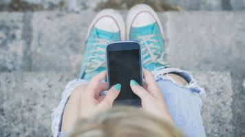 nhs watchdog issues sexting advice