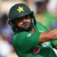 pakistan retain azhar as odi skipper