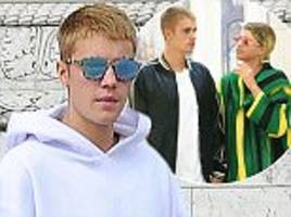 justin bieber breaks up with sofia richie because the singer 'doesn't want a relationship'