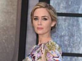 'women can be a bit cruel': emily blunt lauds the girl on the train for capturing pressure brought on by the 'mummy cult' in modern society