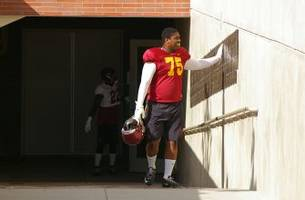 Freshman EJ Price to Transfer From USC Football Team