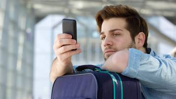 Mobile phone roaming charge abolition plan rewritten