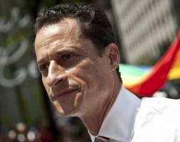 Report: Anthony Weiner Caught Sexting Extremely Crude Messages With 15-Year-Old Girl