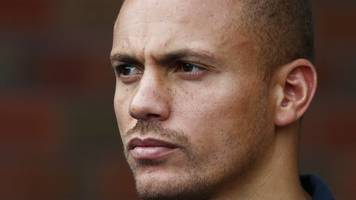 wes brown: blackburn sign ex-manchester united and sunderland defender