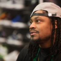 marshawn lynch thinks only racists are threatened by kaepernick's protest