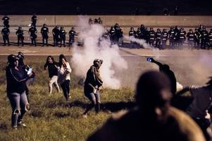 'Stop killing us': Violent protests break out in Charlotte, North Carolina after black man fatally shot by police officer