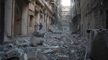 Syria conflict: Air strike kills four medical workers