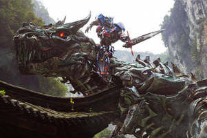 Watch Michael Bay direct the world's loneliest dog in 'Transformers: The Last Knight' video