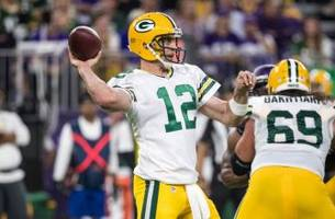 Green Bay Packers: Aaron Rodgers scolds media for questioning his play