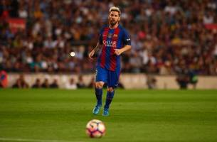 Lionel Messi Out For 3 Weeks With a Groin Strain