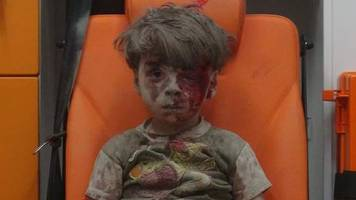 Six-year-old offers a place in his family to Syrian boy