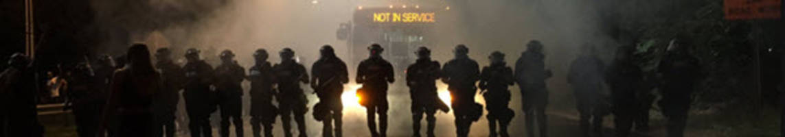 charlotte riots night 2: one shot as protests turn violent, police unleash tear-gas, flash-bangs - live feed