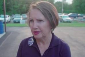 ohio trump campaign chairwoman resigns after making claims about obama starting racism