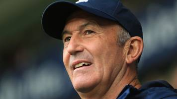 tony pulis at 1,000 games: footballers are film stars now