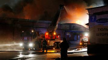 Eight firefighters killed in blaze at Moscow warehouse