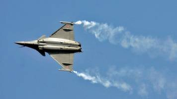 India and France sign Rafale fighter jet deal