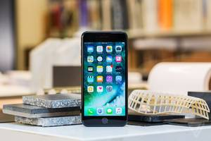 Apple releases iOS 10.0.2 to fix bug that shut off headphone controls