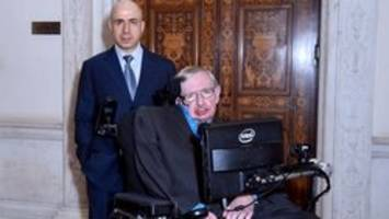 Stephen Hawking warns we 'should be wary of answering' aliens