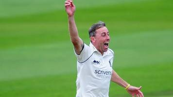 county championship: warwickshire safe from relegation after beating lancashire