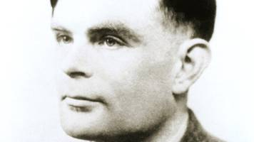 Alan Turing's homosexual court files go on display