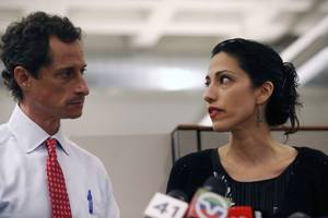 Anthony Weiner's Online Chats With Teen Girl Investigated in 2 States