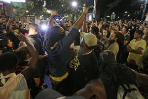 Wife of Keith Scott Filmed Husband's Deadly Encounter with Charlotte Police