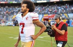 49ers Quarterback Colin Kaepernick Joins Oakland High School Protest
