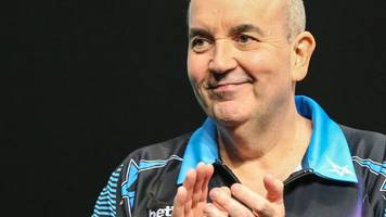 Champions League of Darts: Michael van Gerwen and Phil Taylor open with wins