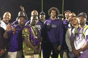 Colin Kaepernick joins high school football players' protest, gives pregame speech
