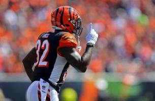 jeremy hill moves through rubble for second touchdown (video)