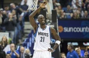 washington wizards' john wall salutes kevin garnett on his retirement