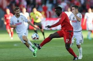 toronto fc and philadelphia union draw in top of the table clash