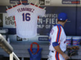 mets hang josé fernández jersey in dugout as baseball world mourns tragic death