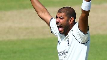 jeetan patel: warwickshire spinner wins most valuable player award for second time