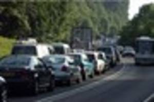 A417 and A40 have traffic problems this morning