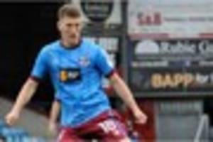 scunthorpe united midfielder richie smallwood keen to do his...