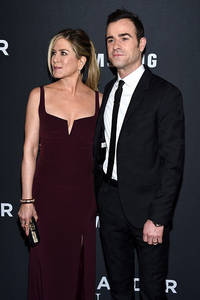 jennifer aniston, justin theroux spotted holding hands as brad pitt, angelina jolie divorce drama unfolds