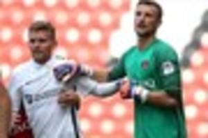 norwich city keeper praises charlton athletic defenders