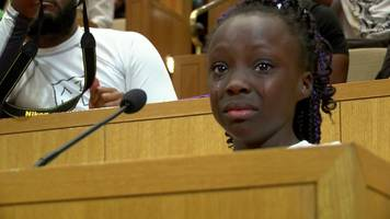 girl rebukes charlotte mayor over police shootings